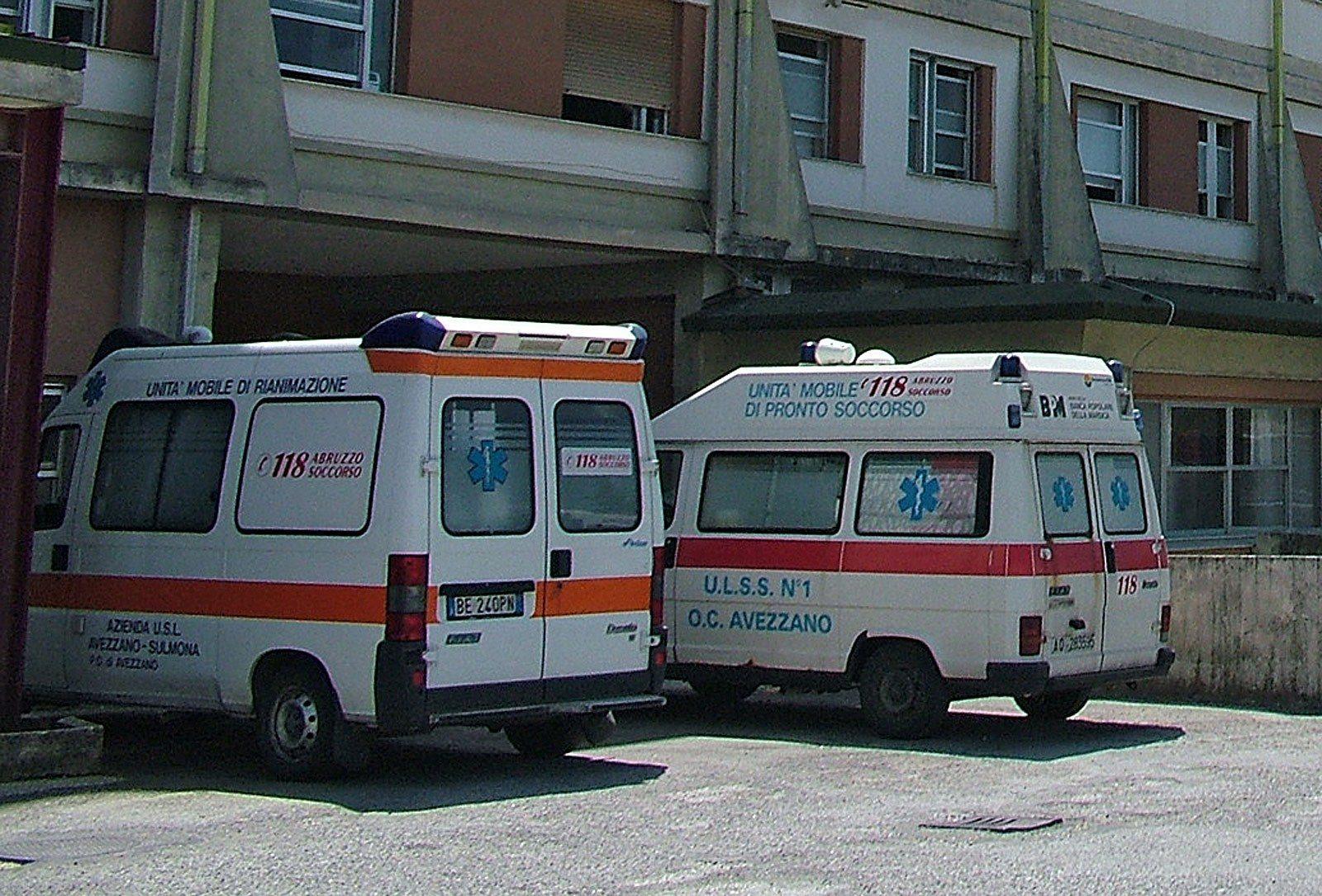 Cade dall 39 autobus in corsa a causa dell 39 apertura delle - Autobus prima porta ...