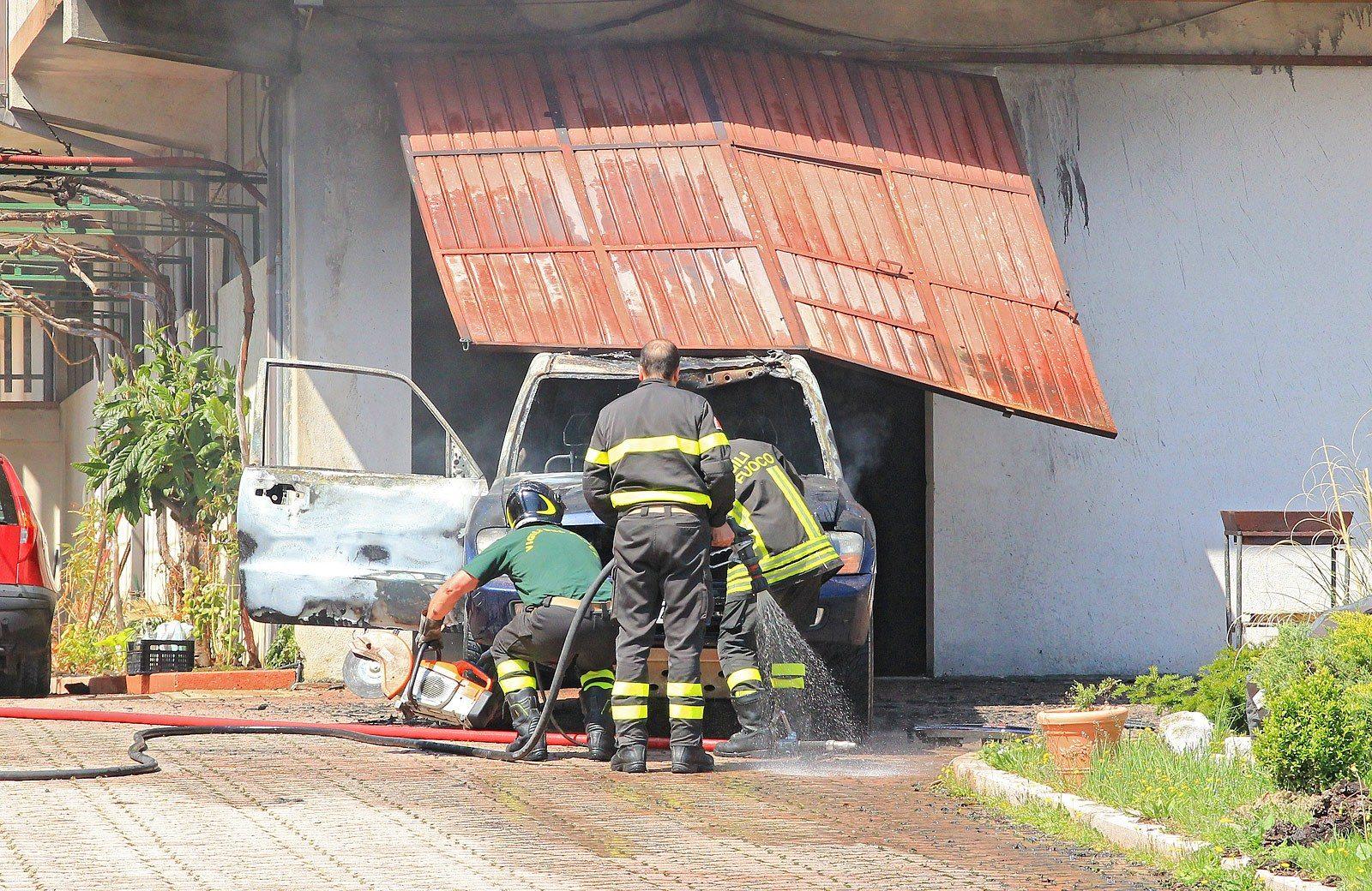 Incendio in una villetta di capistrello in fiamme il for Cosa cercare nell ispezione finale della casa