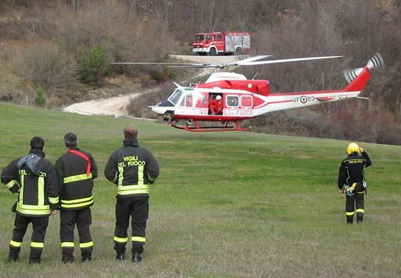 Elicottero Vigili Fuoco : A anni esce dalla casa di accoglienza e fa perdere le