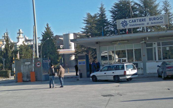 Incidente sul lavoro alla Cartiera Burgo, operaio trasferito d'urgenza in pronto soccorso. E' morto
