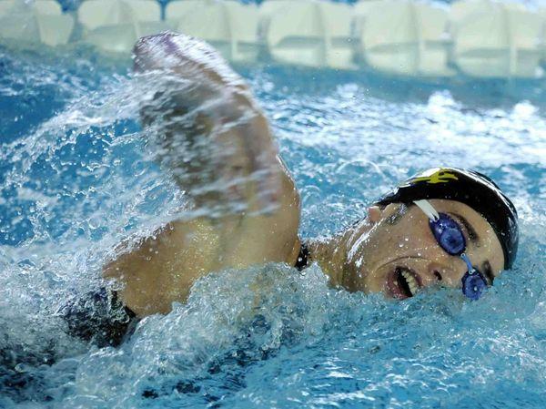 Atleti della pinguino nuoto in vasca alla piscina verdeacqua dell 39 aquila marsicalive - Piscina giussano nuoto libero ...