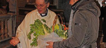 Benedizione dei trattori e degli animali a Luco dei Marsi per la festa dell'agricoltura