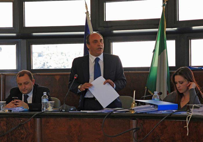 """Piccone a Natalini: """"non devo chiarire nulla sulla mia posizione, resterò sindaco in carica"""""""