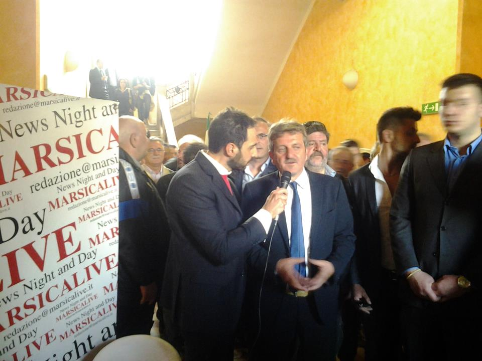 Il sindaco Gianni Di Pangrazio intervistato in diretta dopo la vittoria
