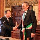 passaggio di consegne tra Floris e il nuovo sindaco Gianni Di Pangrazio (4)