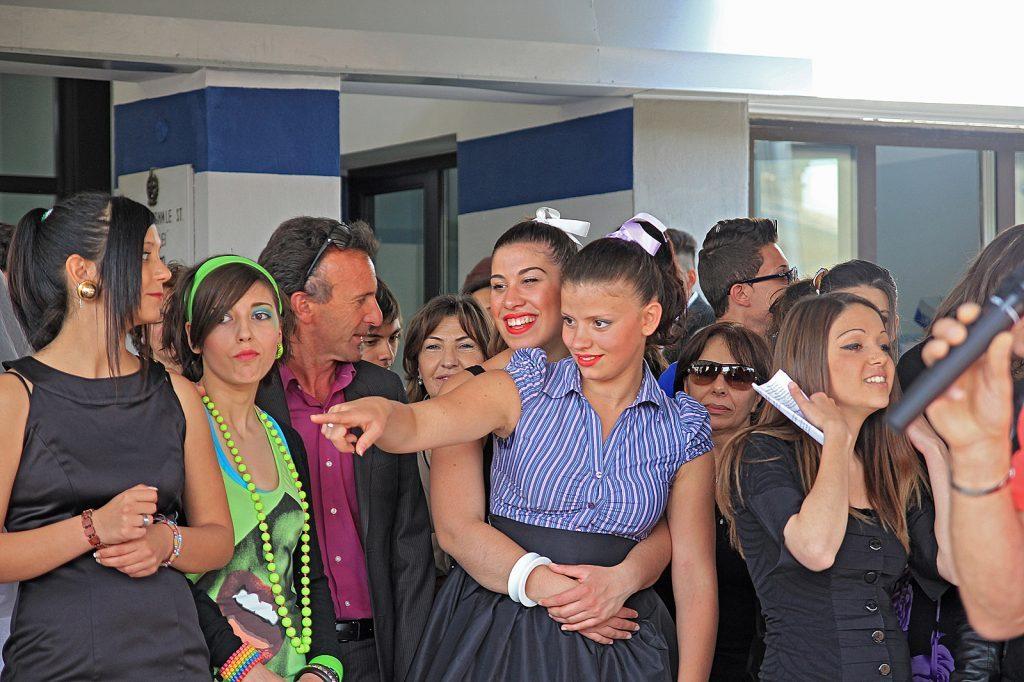 All 39 istituto galilei la scuola si chiude con sfilate di for Scuola superiore moda milano
