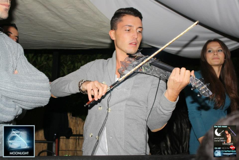 il violinista Stefano Camilli in discoteca