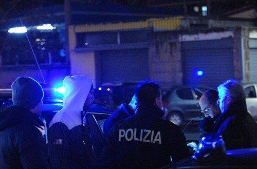 Banda armata tenta rapina in abitazione, sparatoria durante la fuga. Caccia aperta ai malviventi romeni