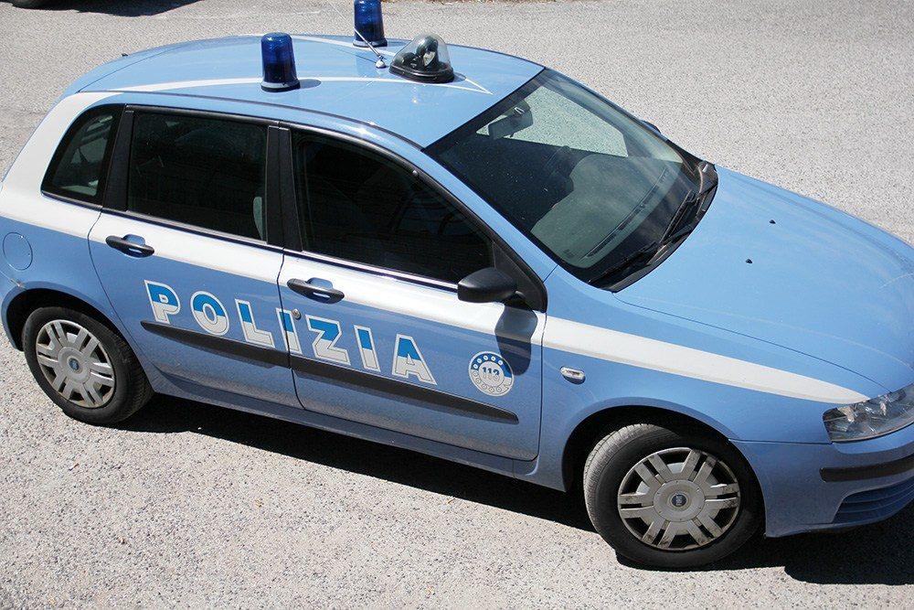 volante avezzano macchina polizia (2)