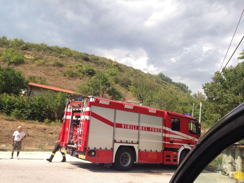 Incendio vigili del fuoco fiamme  (2)