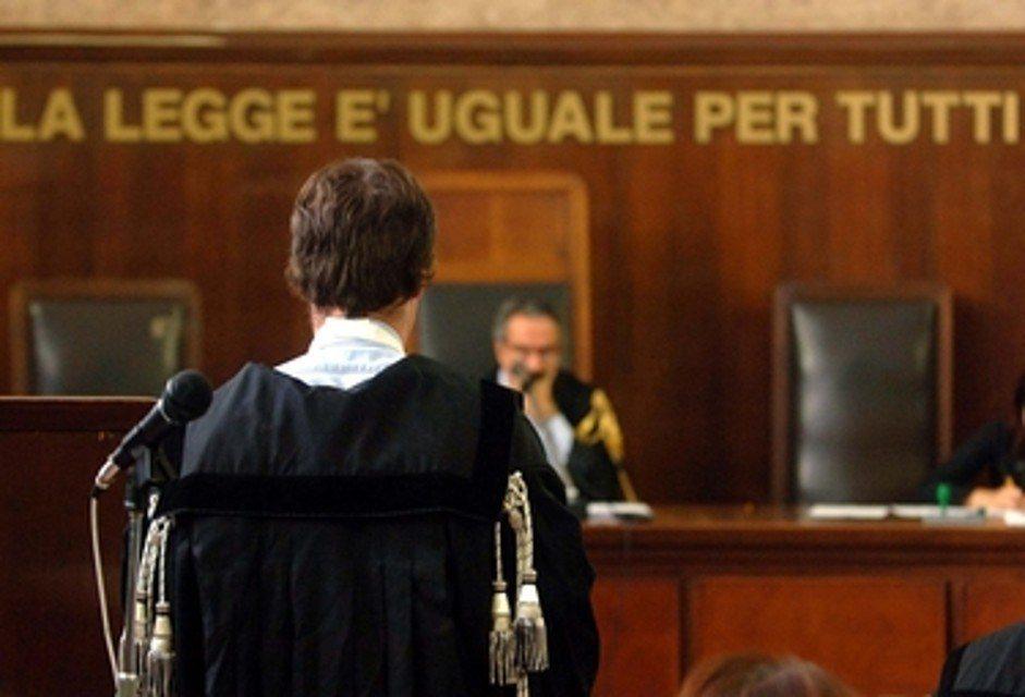 tribunale giustizia processo avvocato giudice