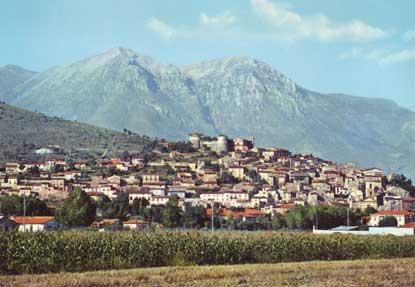 5006_scurcola_marsicana_panorama_e_monte_velino_alt_m_2487