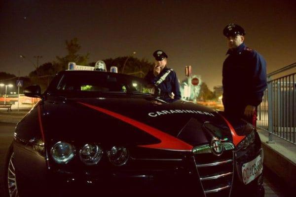 Ladri d'appartamento inseguiti dai carabinieri, l'auto era stata rubata nella Marsica. Uno arrestato, tre in fuga
