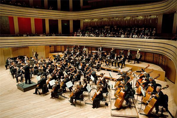 Il Teatro dei Marsi ospita l'Orchestra Sinfonica Mav di Budapest. Biglietti a 3 euro per under 15, docenti e allievi di Conservatori e scuole di musica