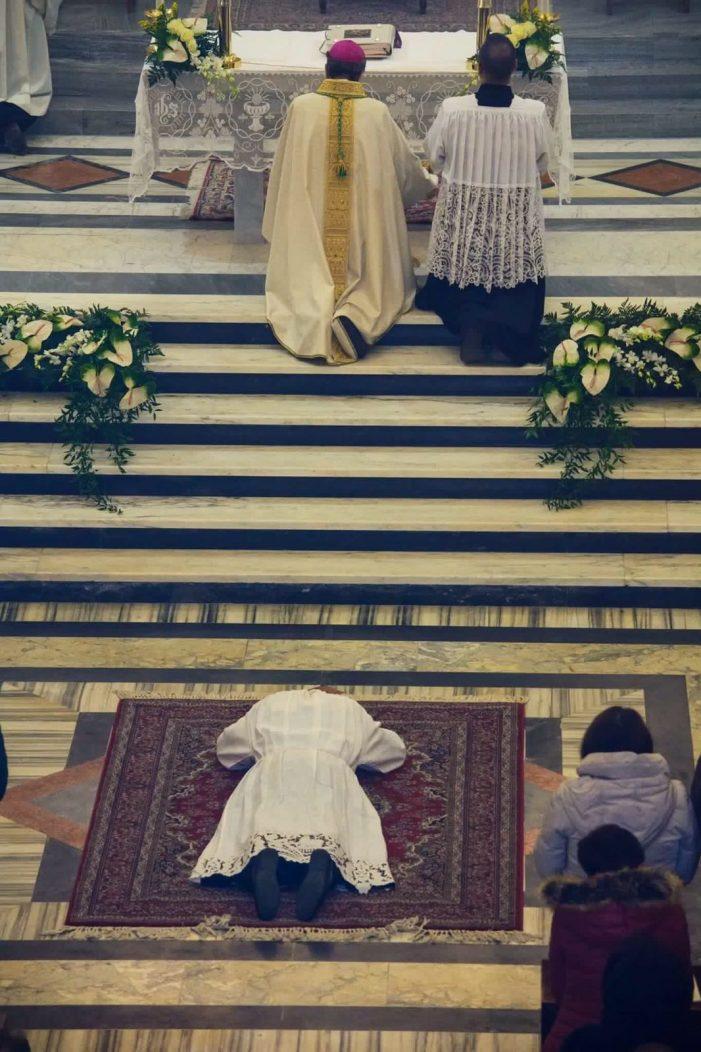 Grande partecipazione ad Aielli per l'ordinazione diaconale del giovane Lorenzo Macerola