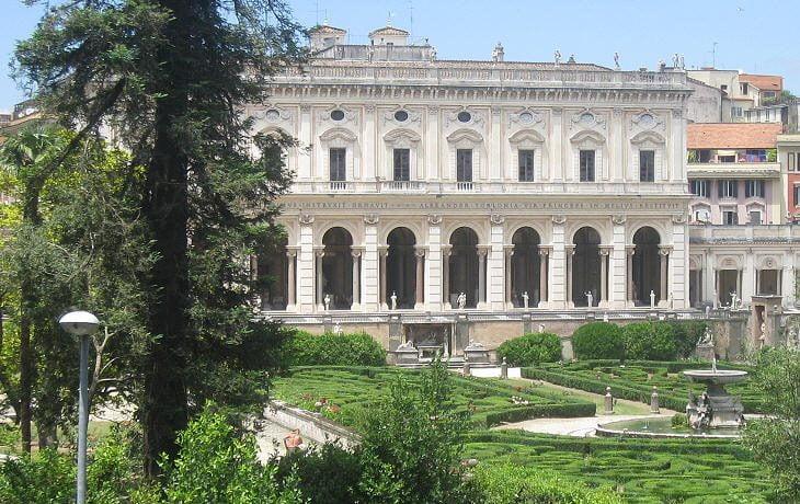 Villa Albani Roma Facciata