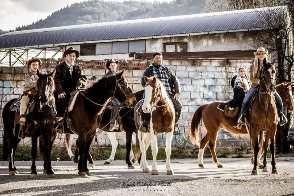 Carnevale: a Trento sfilata carri e giochi per bambini
