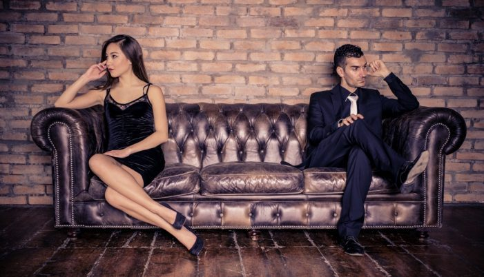 Dibattito sulle incomprensioni nei rapporti interpersonali, dalle gelosie alle rivalità