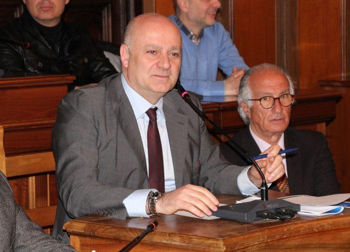 """Seduta consiglio deserta, De Angelis: """"non è successo niente, ha prevalso la vecchia e becera politica"""""""