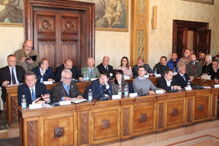 Di Pangrazio raduna i suoi in Comune: maggioranza coesa e pronta a impegnarsi per Avezzano