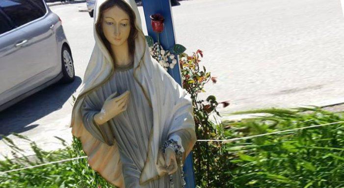 Statua della Madonnina divelta, parco giochi di via Ugo La Malfa in balia dei vandali