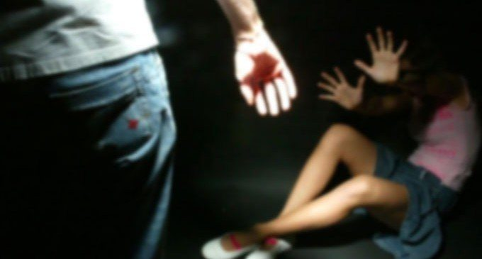 Milano, disabile stuprata dal branco: 7 anni a un 20enne